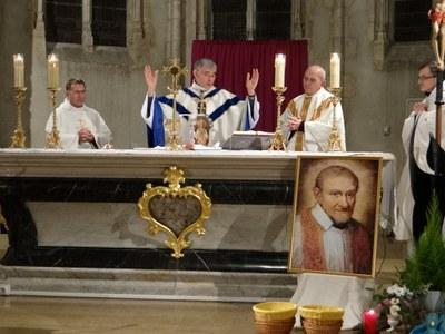 400e anniversaire de la remise de la charte aux 1eres Dames de la Charité_Châtillon (22).JPG